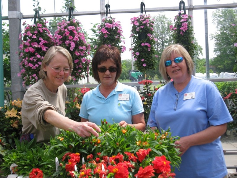 Master Gardening Classes Accepting Students The Ada Icon